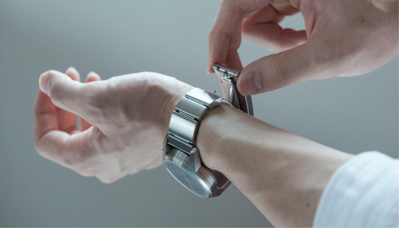 Slimme horlogeband Wena van Sony gaat in de verkoop in Japan