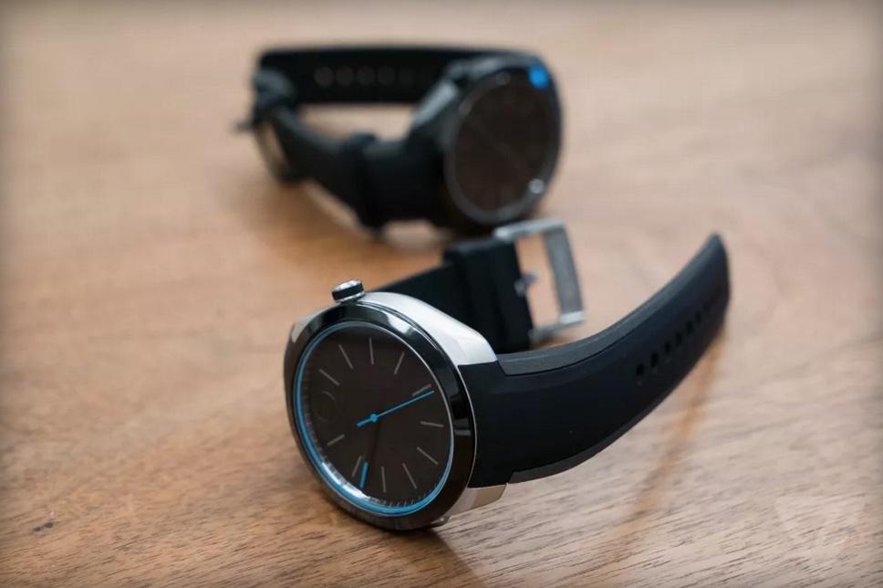 Movado Bold Motion is een smartwatch die bijna niets kan