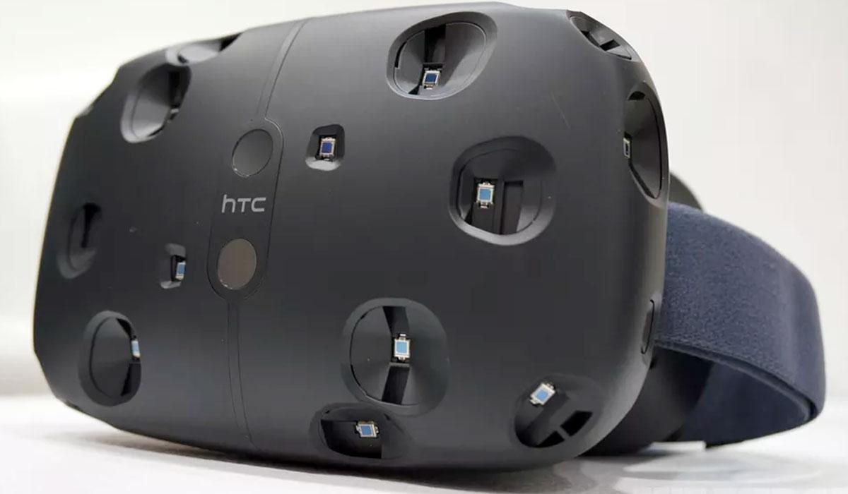 Virtual reality-bril HTC Vive uitgesteld tot april 2016