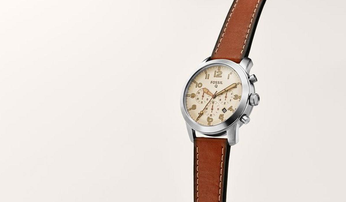 Dit is de Fossil Q54 Pilot: een slim, traditioneel horloge