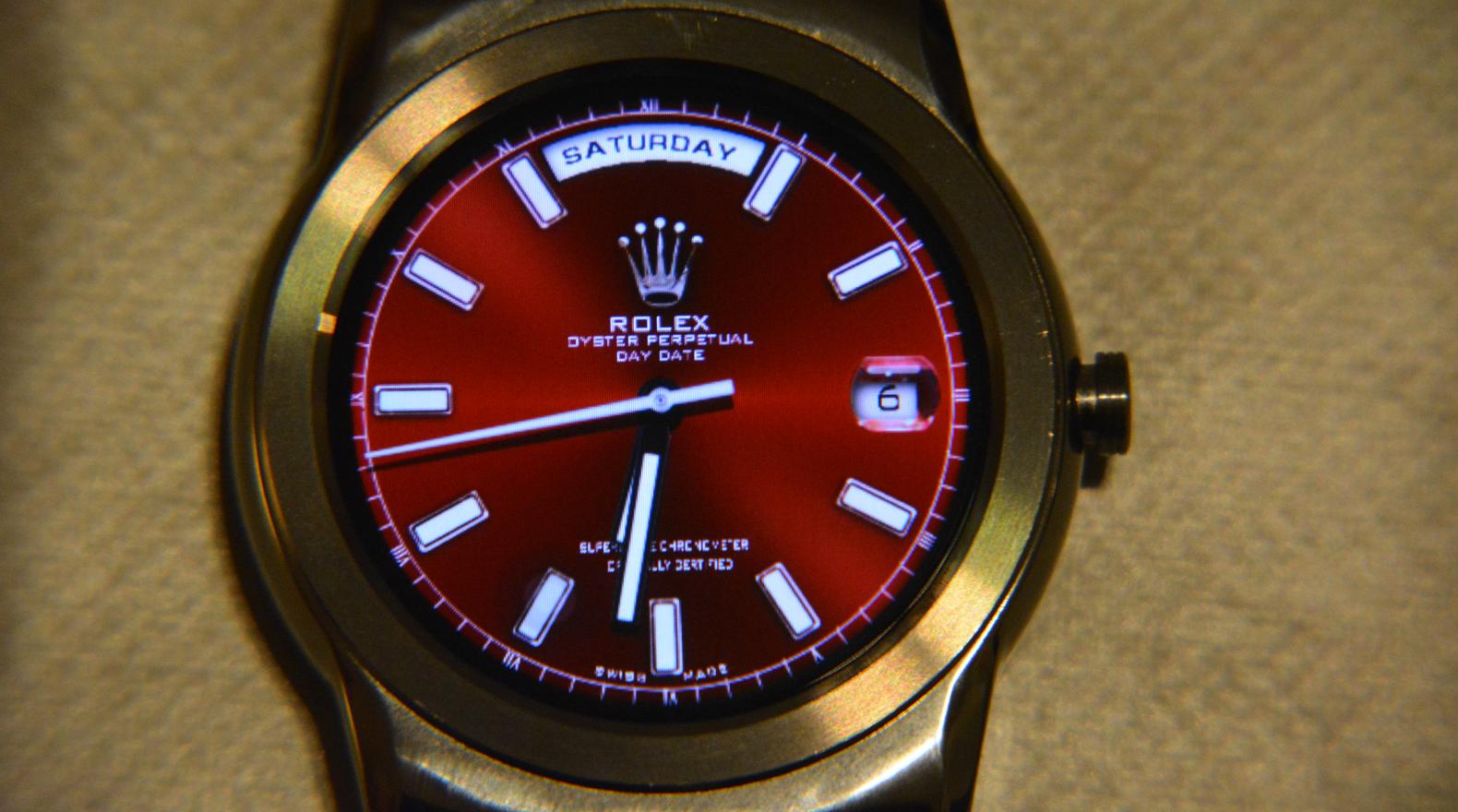 Zo maak je van je Android Wear-smartwatch een Rolex, Breitling of Tag Heuer Carrera