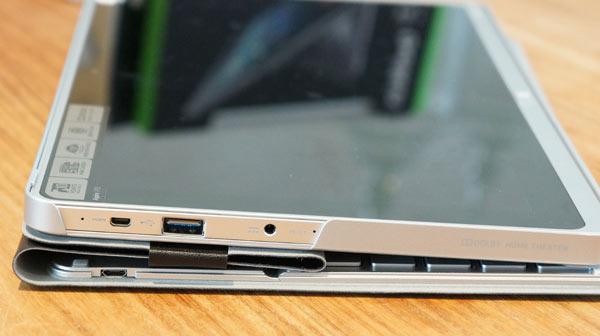 Acer-Aspire-P3-review-aansluitingen