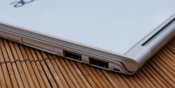 Acer-Aspire-S7-aansluitingen-review