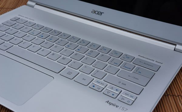 Acer-Aspire-S7-keyboard-2-review