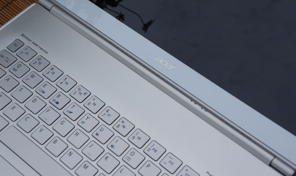 Acer-Aspire-S7-keyboard-review