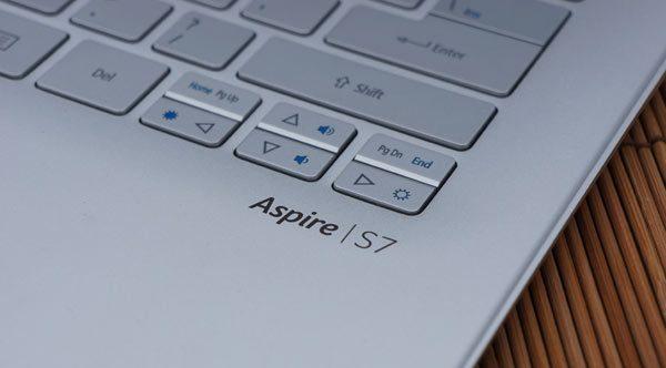 Acer-Aspire-S7-logo-review