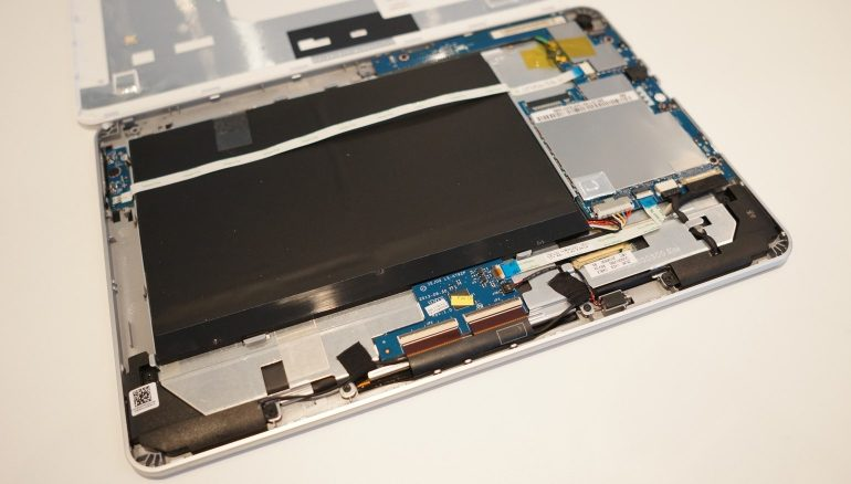 Acer-Iconia-A3-open
