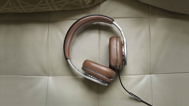 Bowers-Wilkins-P9-1