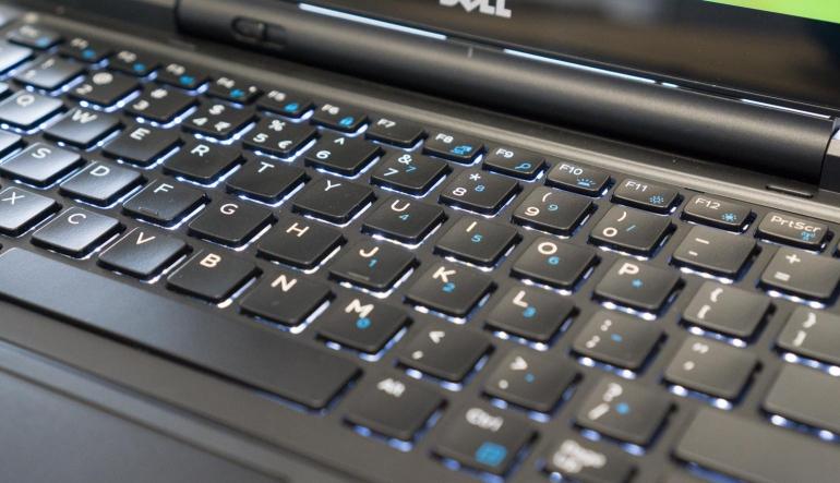 Dell Latitude 13 7350-review-toetsenbord