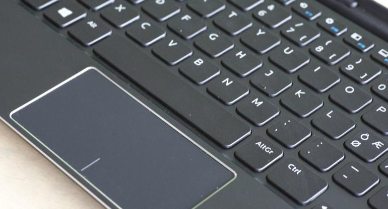 Dell-Venue-11-Pro-keyboard-dock-2