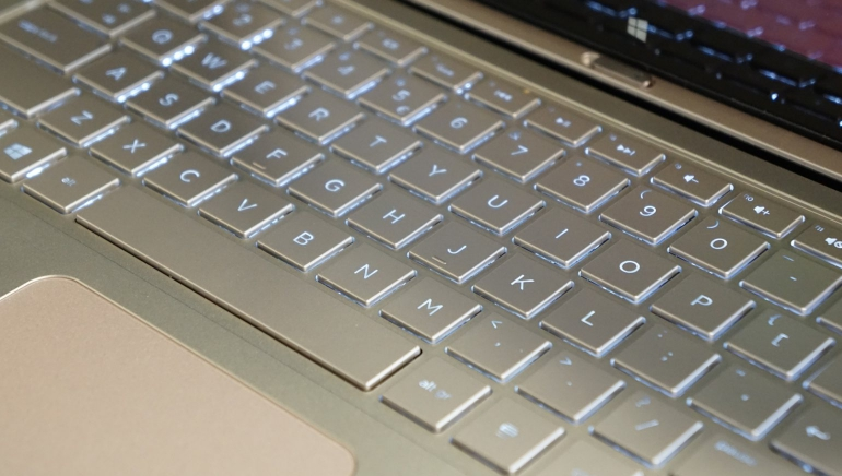 HP-Spectre-13-x2-review-keyboard-2