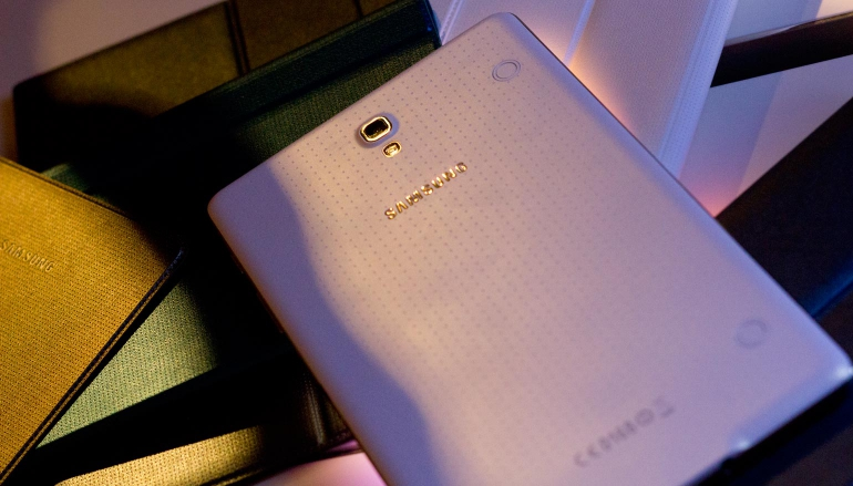 Hands-on-Galaxy-Tab-S-design-4
