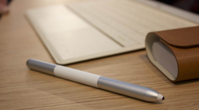 Huawei-MateBook-pen