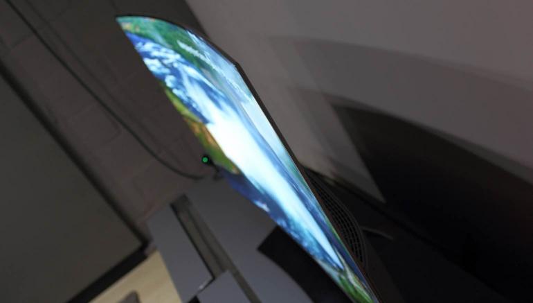 LG-OLED55C6V-review-design