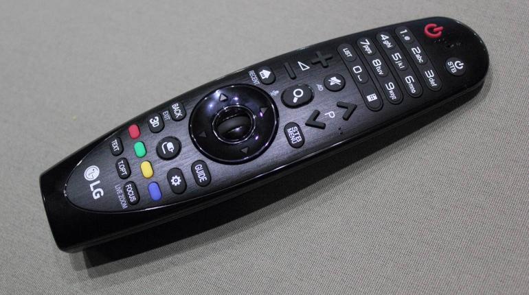 LG-OLED55C6V-review-remote