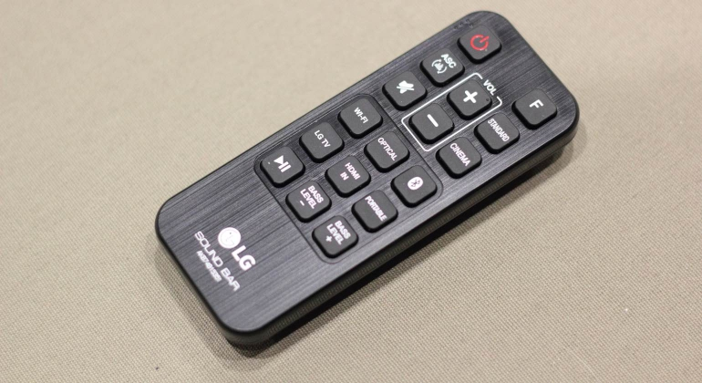 lg-sh6-review-remote