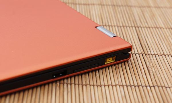 Lenovo-IdeaPad-Yoga-11-aansluitingen