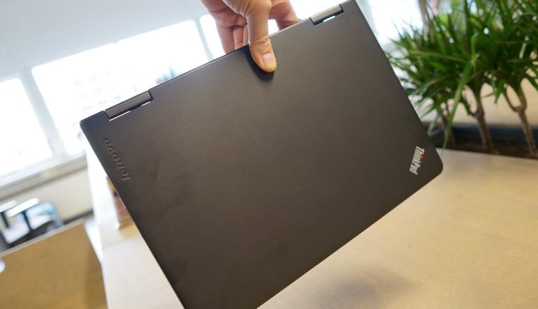 Lenovo-ThinkPad-Yoga-review-design-2