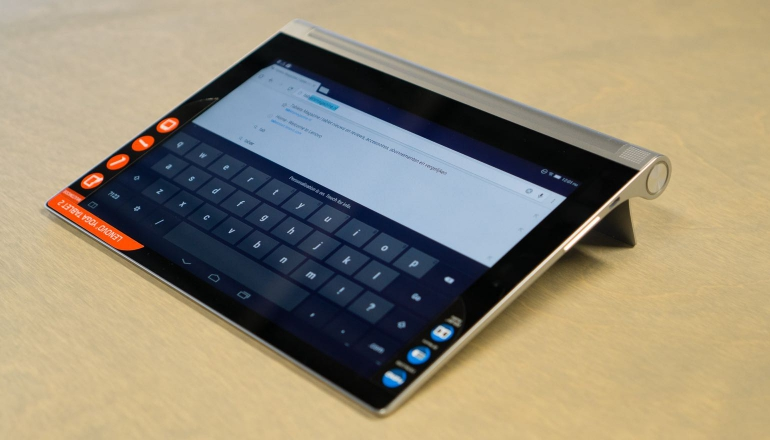 Lenovo-Yoga-Tablet-2-10-review-stand