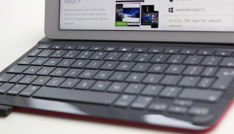 Logitech-Type-Plus-toetsenbord-2