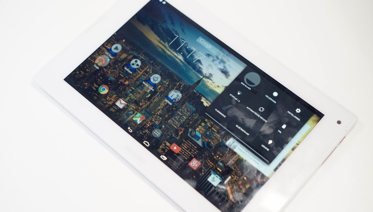 Medion Lifetab P8911 review-display