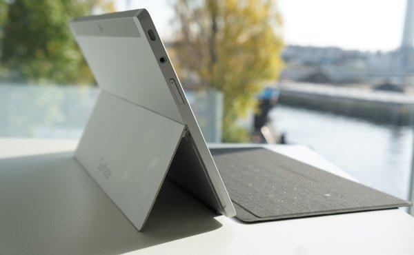 Microsoft-Surface-2-kickstand
