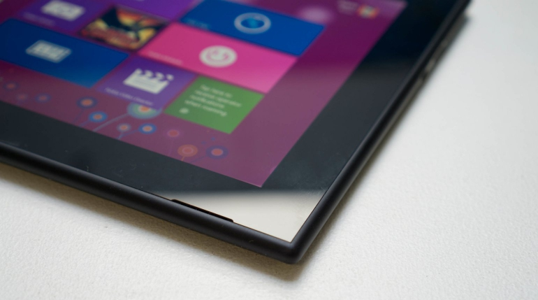 Nokia-Lumia-2520-review-design
