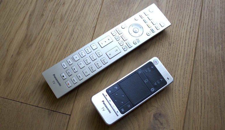 Panasonic-DXW904-review-remote