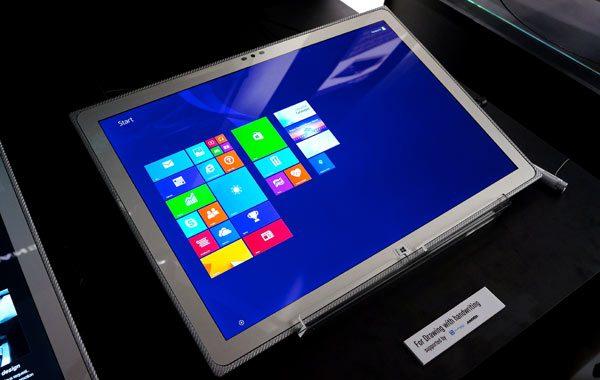 Panasonic-Toughbook-4K-tablet