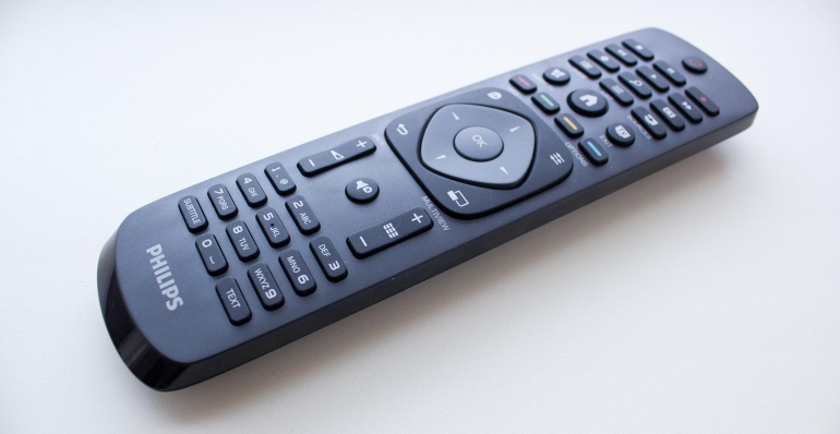 Philips-48PFK6409-review-remote