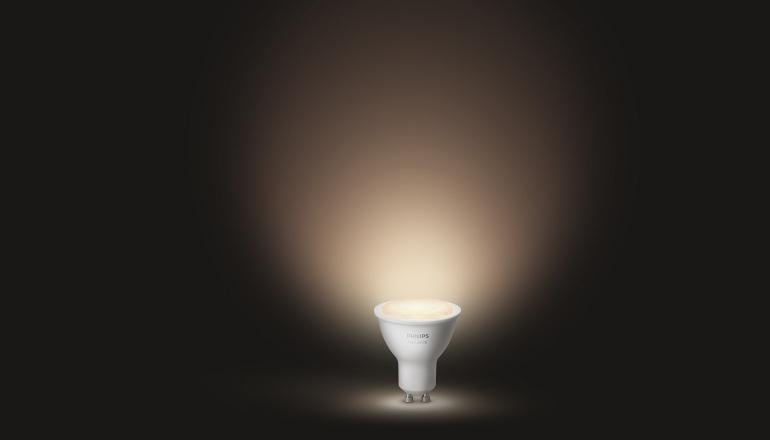 Philips Hue Outdoor Lampen.Philips Hue White Gu10 En Lightstrip Outdoor Gepresenteerd Op De Ifa