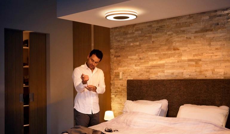 Philips Hue Lampen Gu10.Philips Presenteert Nieuwe Hue Lampen En Intensere Kleuren