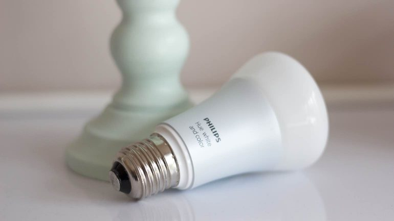 Philips-Hue-review-lamp