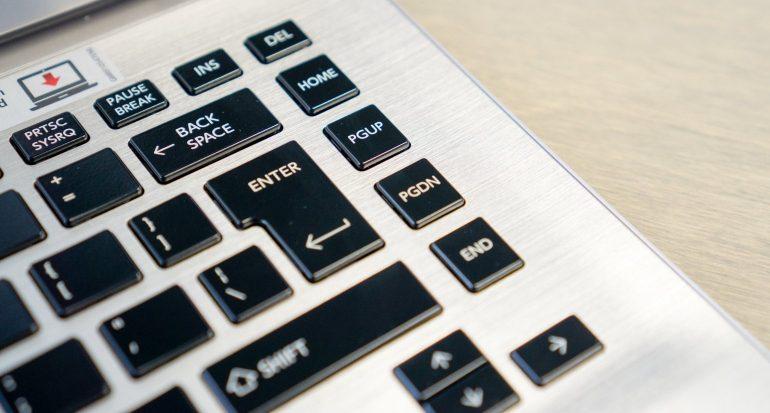 Review-Toshiba Satellite Click 2 Pro P30W-toetsenbord-2