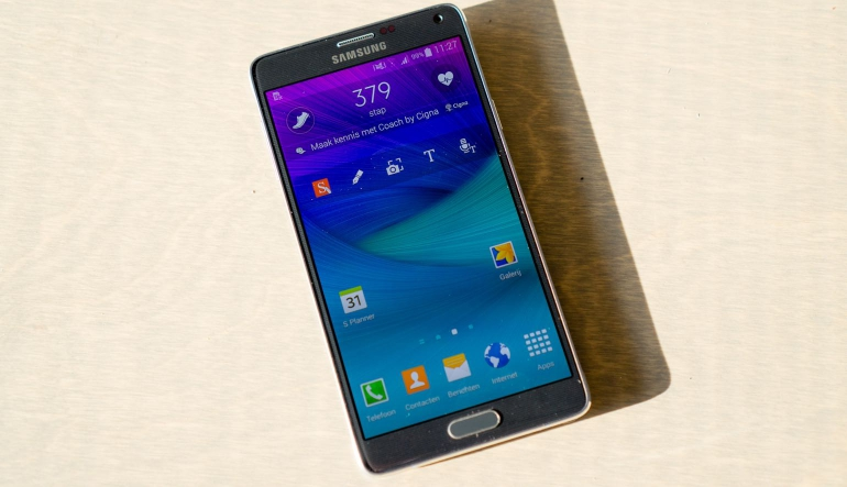 Samsung-Galaxy-Note-4-review-design-voor