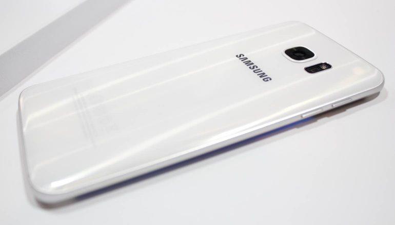 Samsung-Galaxy-S7-Edge-achterzijde