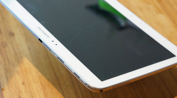 Samsung-Galaxy-Tab-3-10-review-design-2