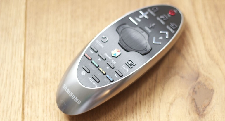 Samsung-HU8500-review-remote