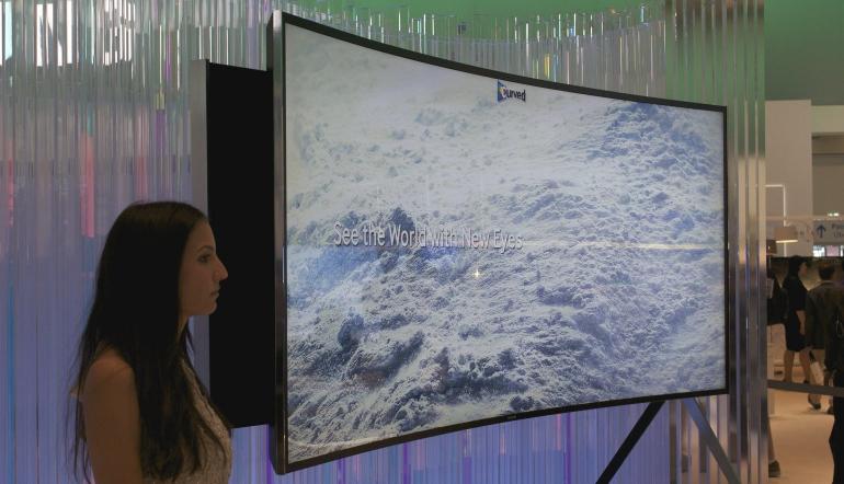 Samsung-buigbare-tv-2