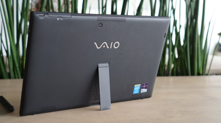 Sony-VAIO-Tap-11-review-design
