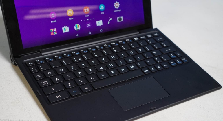 Sony-Xperia-Z4-Tablet-review-dock