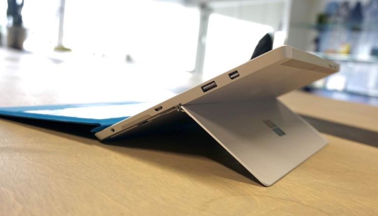 Surface-3-review-hoek-aansluitingen