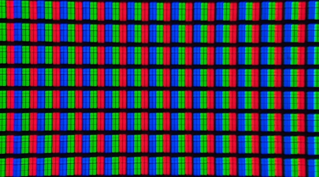 TCL-55C728-pixels-1080x600.jpg