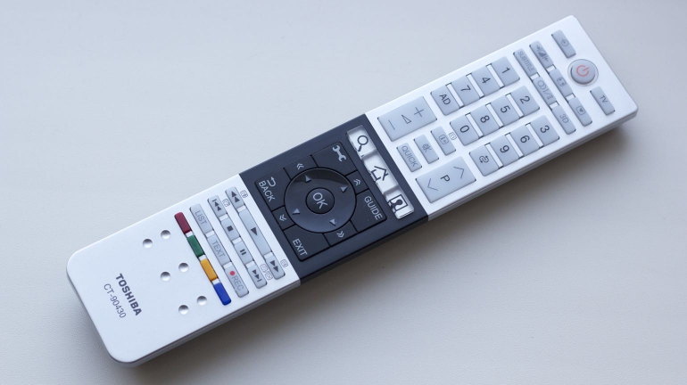 Toshiba-M7463DG-review-remote
