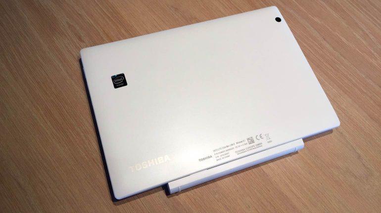 Toshiba-Satellite-Click-Mini-review-design