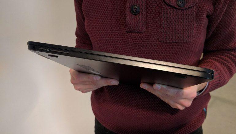 De Acer Spin 7 is 1,1 cm dik.