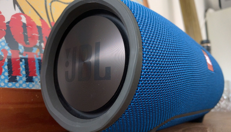 jbl-xtreme-bluetooth-speaker-groot-2