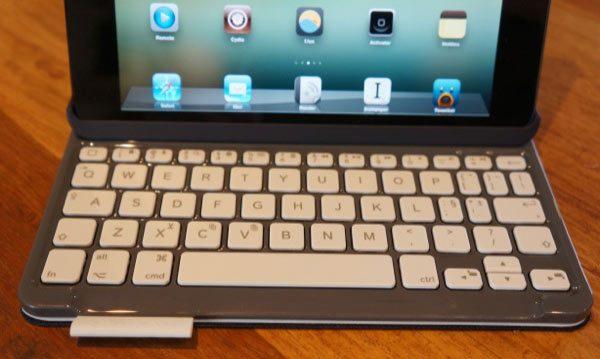 logitech keyboard folio mini 2Review: Logitech Keyboard Folio for iPad Mini